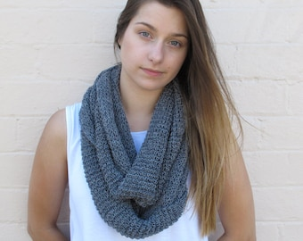 Chunky knitted infinity loop, knitted snood, wool scarf, knitted cowl, merino scarf - grey marl