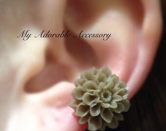Big Flower Conch Ear Cuff