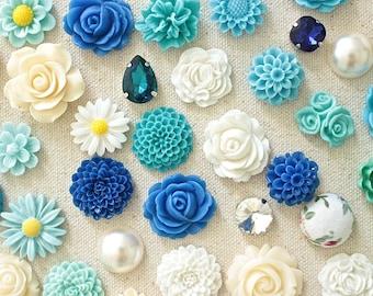 Blue and Ivory Flower Thumbtack, Pretty Pushpin Set, Corkboard Pin, Blue Bulletin Board Pin, Office Gifts, Modern Push Pin, Ivory Flower Pin