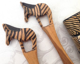 NEW Authentic African NEW Vtg ZEBRA Salad Serving Spoon & Fork with 4 Zebra Print Napkin Rings - Zimbabwe