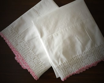 Vintage Pillowcase set (2) 100% cotton.