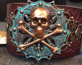 Skull and crossbones cuff, pirate cuff, leather cuff, skull bracelet