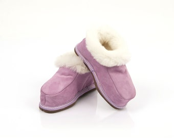 MRDline 7010025CH  Handmade lilac fur slippers for child. Suede leather, sheepskin and wool. Soft, warm and comfortable.