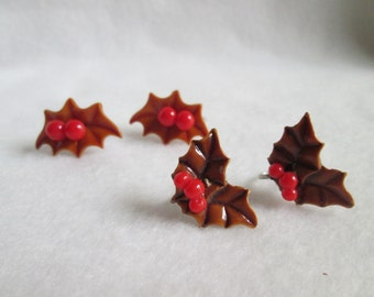 Vintage Christmas Holiday Plastic Holly Berries Holly Leaves Screw Back Earrings