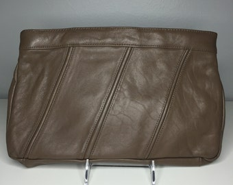Vintage 1980s taupe Brenalini by Jonotti cute leather clutch purse