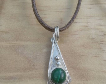 The green (not so) giant pendant