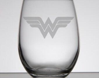 Wonder Woman Etched Wine Glass DC Comics
