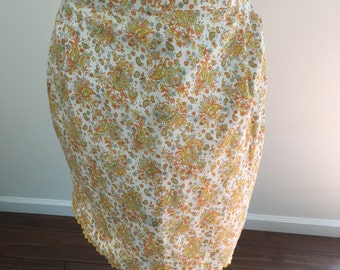 Vintage Paisly Apron with Pocket in 1950s Floral Fabric in Oranges and Yellows M665-1