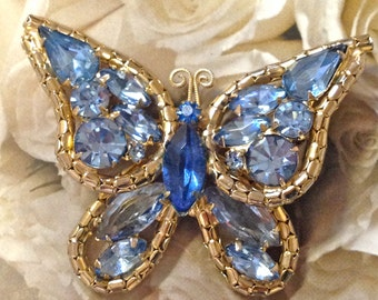 Wonderful WEISS style BUTTERFLY in Shades of BLUE pin brooch~vintage costume jewelry