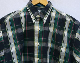 Medium Pendleton Plaid Men's Short Sleeve Shirt