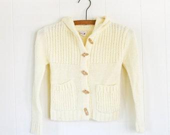 Size 5-6 Vintage Girls Sweater // Acrylic Ivory Sweater for Girls // Off White Vintage Toggle Sweater