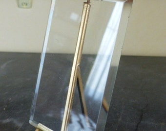 French photo frame in brass pomponne.Large photo frame with thick beveled glass. Late 19th century.