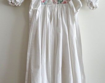 robe fille vintage blanche/fleurie manches ballon taille 6/8 ans