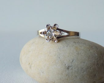Vintage Sterling Silver Cubic Zirconia Ring, Cocktail Engagement Ring, Dainty Ring, Size 7 1/2, 8, 9, 10, Adjustable Size Retro Style Ring