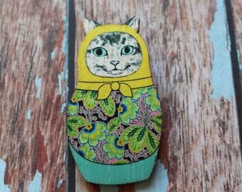 Babushka Kitty Cat Brooch - Badge. Cat Badge. Cats Rock. Crazy Cat Lady. I love Cats. Life's too short to wear boring Jewellery.