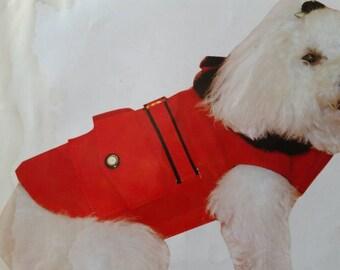 Dog  clothes Unicas y excusivas capas para perros impermeables rojas y negras forrada con tela termica muy calentita