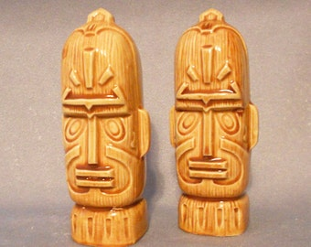 Vintage 1960s TIKI Salt and Pepper Shakers, Mid Century POLYNESIAN Hawaii Tiki Gods Ceramic Salt Peppers Otagiri OMC Japan Label, Tiki Decor