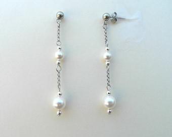 White pearl earrings, swarovski pearls earrings, retro earrings, white earrings, wedding earrings, bridal earrings, bridemaids earrings