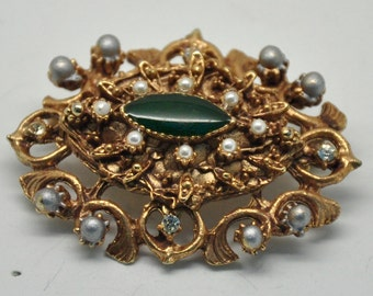 Vintage Faux Pearl Gold Tone Oval Brooch