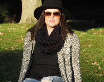 Chunky Scarf, Knit Infinity Scarf, Black Scarf, Knit Cowl, Circle Scarf, Thick Knit Scarf, Infinity Scarves, Gift for Her