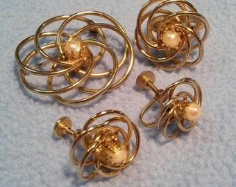 Whirling Swirl Parure~ Earrings, Brooch and Ring, Faux Pearl Center, Goldtone