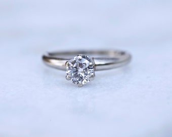 Solitaire Round Brilliant Diamond 14 K White Gold Engagement Ring 0.60ct