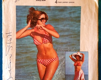 "Vintage 1975 reversible bikini and shawl wrap sewing pattern - Simplicity 6921 - size 12 (34"" bust, 26.5"" waist, 36"" hip) - 1970's"
