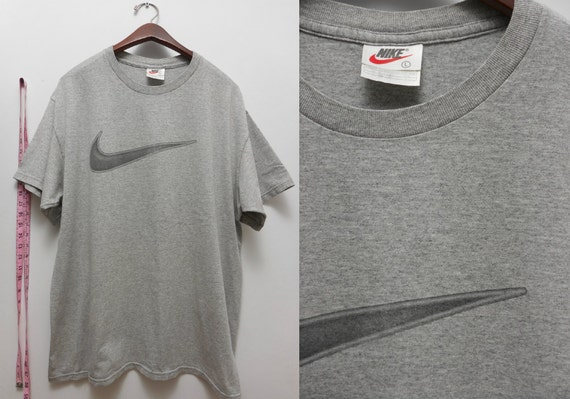 grey nike t shirt mens