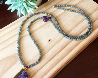 Long, natural stones necklace