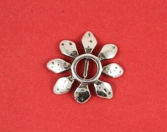 3/2 MADE in EUROPE 2 zamak chamomile sliders, zamak flower slider, zamak flower bead (ABLZ45) qty2