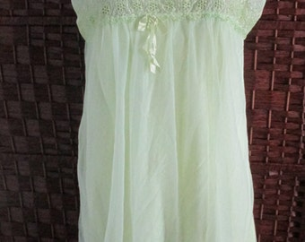 La Loire Creation Montreal Lime Green Double Layer Nightgown Nightie Eyelet Size Medium  Bust 40''