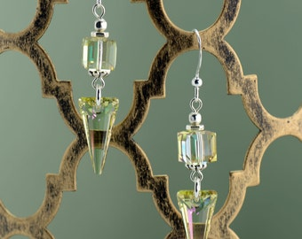 Luminous Green Dangle Earrings - E2663
