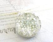 Pressed Flower Necklace, Baby's Breath Necklace, Real Flower Necklace, Real Flower Jewelry,Gemstone Necklace ,Sakura Accessories