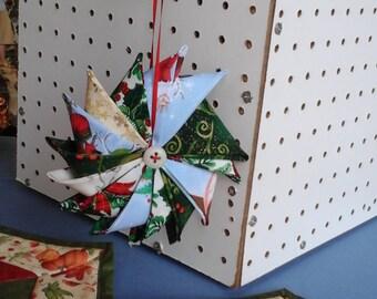 Christmas Ornament Pinwheel
