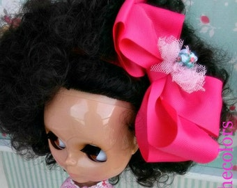 Pink bow for Blythe