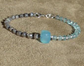 Labradorite Bracelet, Apatite Bracelet, Gemstone Bracelet, Blue Bracelet, Contemporary, Dainty Bracelet