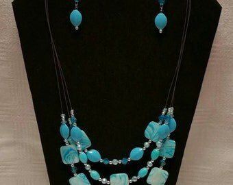 Teal Three Strand Necklace Set