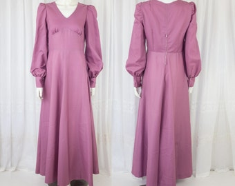 Beautiful Vintage dusty pink maxi long sleeve gown