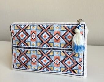 Cross stitch zipper pouch,Embroidered Clutch,Embroidered bag,Boho Clutch bag,Cross stitch Clutch,Bohemian Clutch,Beige Linen Clutch