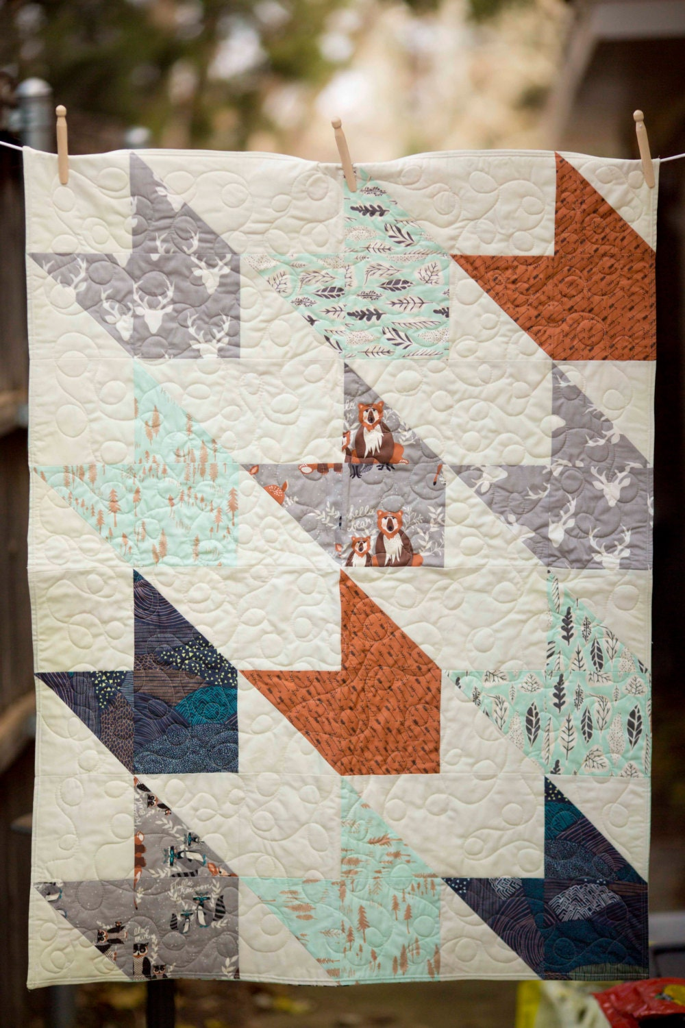 Hello Bear Modern Baby Quilt Baby Quilt By Kiddlestixquilts