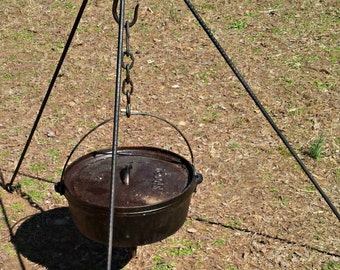 Campfire Tripod Stand with Dutch Oven Lid Remover