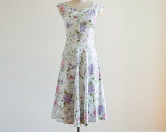 Vintage 1940s White Pink, Purple and Green Floral Printed Sun Dress with Capped Sleeves