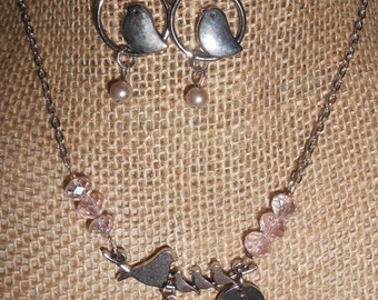 Mothers little birds glass beaded necklace and earring set
