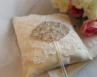 Ivory Lace Ring Pillow, Ring Bearer Pillow, Ivory Ring Pillow, Silk Ring Pillow, Ivory Silk Ring Pillow, Elegant Ring Pillow, Wedding Pillow