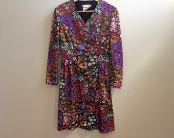 Vintage 70s Long Sleeve Dress // bright floral print // size small