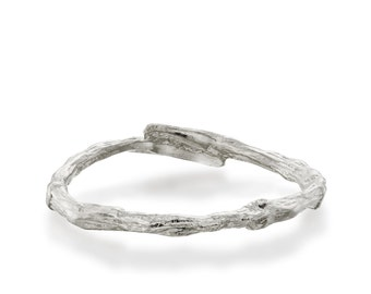 Valentines day gift, Silver twig ring, unique silver ring, wave ring, rustic ring, branch ring, wood ring, bark ring, stackable ring