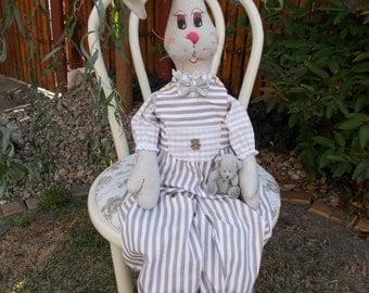 Králík Fredy, látková,ručně šitá hračka,tilda,králíček