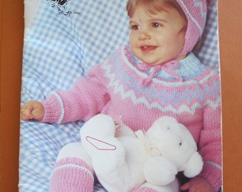 Patons Fairytale DK / Toddler knitting patterns / Boy and girl sweater patterns / Beehive Patons Book 488