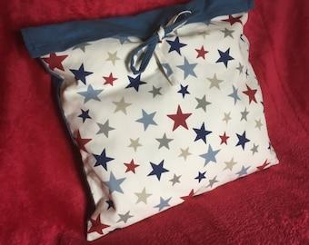 Star print tie cushion