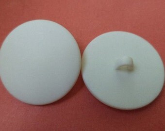 7 large white buttons 26mm (6625)